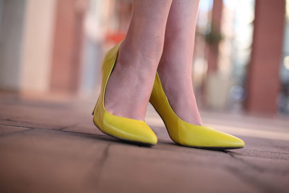 neon yellow woolworths heels