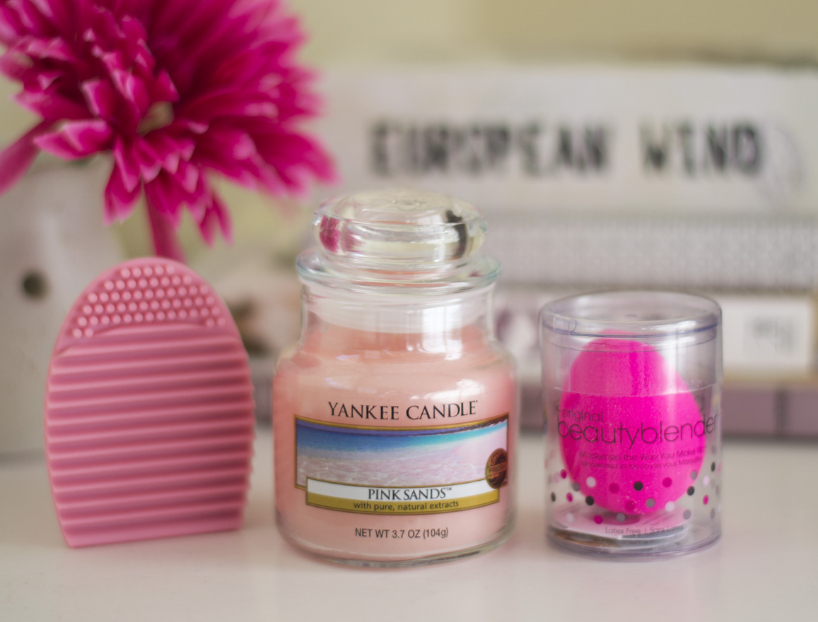 brush egg yankee candle beauty blender