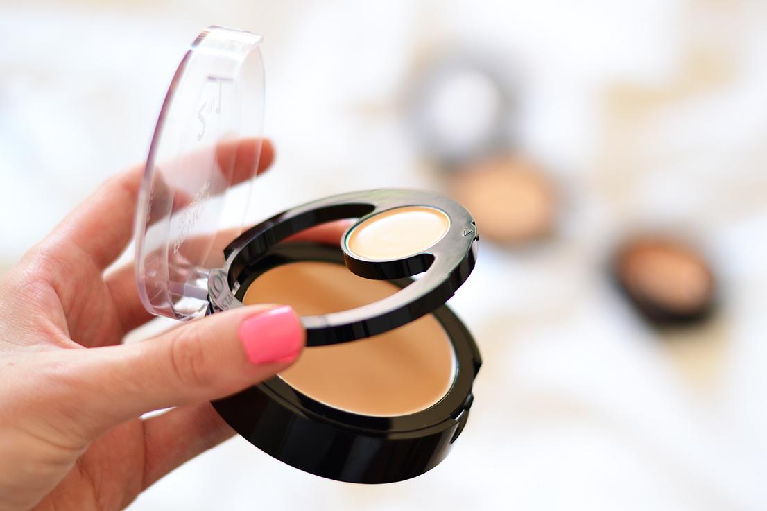 Arum Lilea - Revlon - Colorstay 2-in-1 compact makeup & concealer
