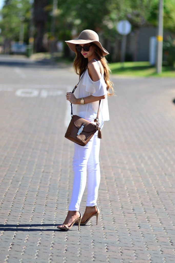 Ripped white denim jeans